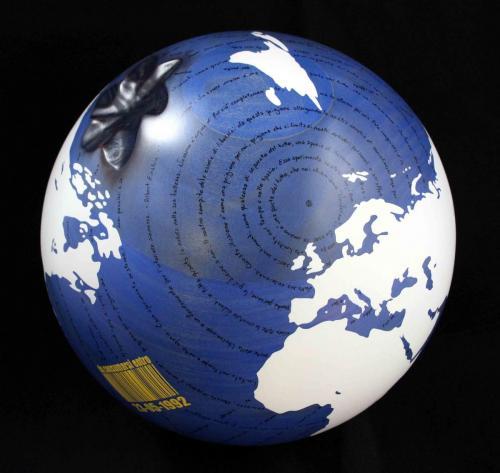 W.W.B. - 23-05-1992 - 2016 - Legno, carbone e smalto - Diam. 30 cm