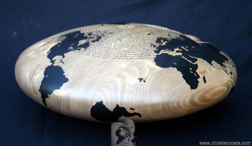 WW - MONDO AMMACCATO (DISCO MONTALE -il dono-) F5 - 2012 - legno e smalto - Diam. cm. 50, h. cm. 20