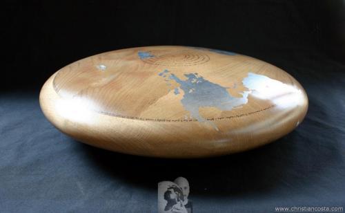 WW - MONDO AMMACCATO (DISCO Montale -Mediterraneo-) (F2) - 2013 - legno e foglia d'argento - Diam. cm. 50, h. cm. 20