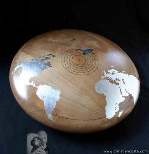 WW - MONDO AMMACCATO (DISCO Montale -Mediterraneo-) 2013 - legno e foglia d'argento - Diam. cm. 50, h. cm. 20
