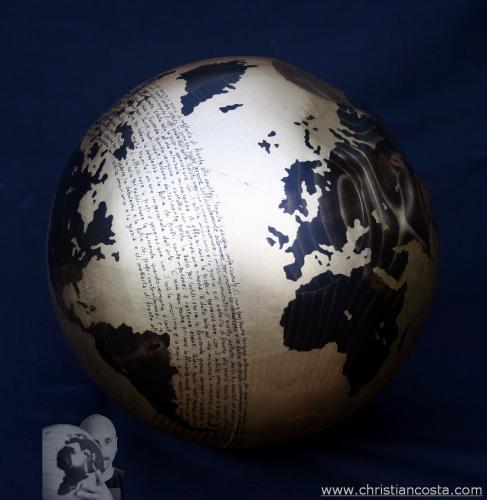 WW - MONDO AMMACCATO (sfera oro A. E.) 2012 - diam. 30 cm