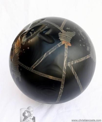 WW - cogito ergo sum -  (sfera) - 2013 - Legno e smalto - Diam. 31 cm